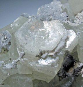 brucite found in fritz island mine